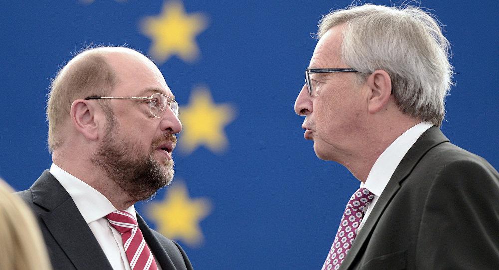 EU Commission Chief Jean-Claude Juncker and European Parliament President Martin Schulz