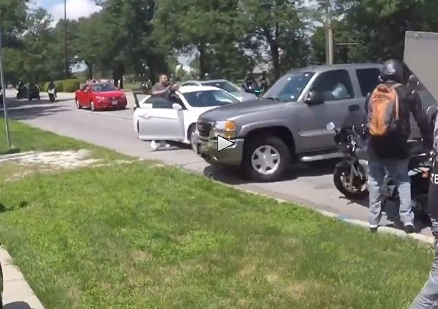 Truck Tries To Run Over Massive Group Of Bikers! Road Rage