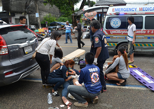 Injured people receive first aid after a bomb exploded on August 11, 2016 in Trang, Thailand. Picture taken August 11, 2016
