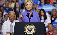 Democratic presidential nominee Hillary Clinton speaks at a campaign rally with Vice President Joe Biden(L), August 15, 2016, in Scranton, Pennsylvania