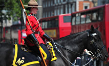 A female member of the Royal Canadian Mounted Police (RCMP) (File)
