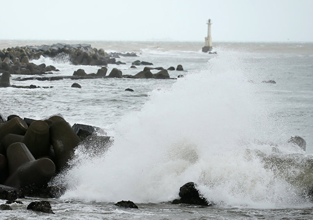 Waves beat against the seashore in Ishinomaki, Miyagi prefecture, on August 30, 2016 as Typhoon Lionrock makes its course towards northeastern Japan.