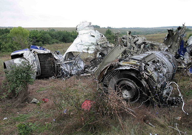 At the site of a Tu-154 crash in the village of Kamensk-Shakhtinsky, 138 kilometers away from Rostov-on-Don. The aircraft crashed on August 24, 2004. (File)