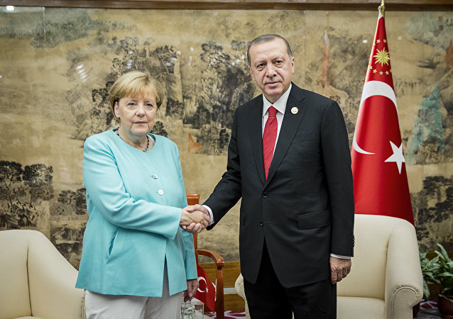 German Chancellor Angela Merkel meets Turkish President Tayyip Erdogan during the G20 Summit in Hangzhou, Zhejiang province, China, September 4, 2016