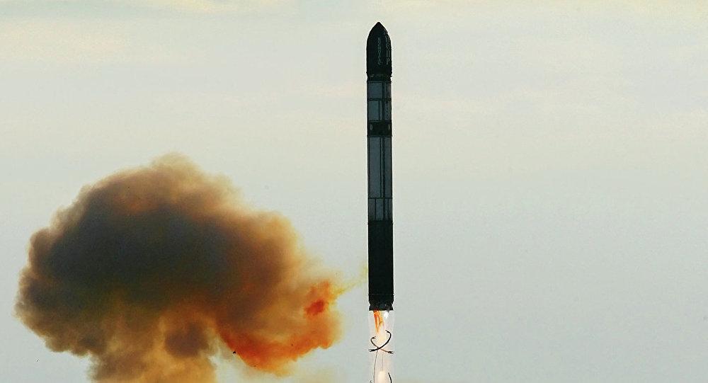 大陸間弾道ミサイル「RS-20ボイボダ(SS-18 Satan)」の打ち上げ