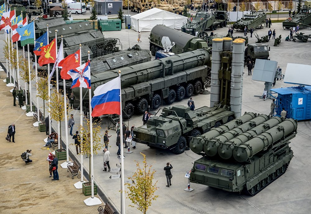 Russian Army Military Might on Show at 'Army 2016' Forum
