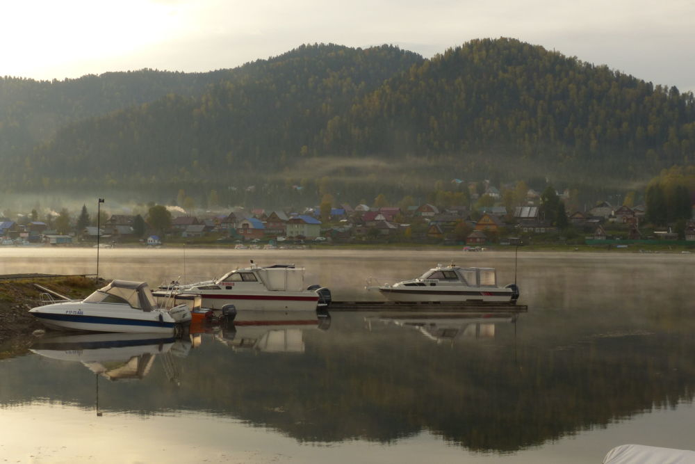 Motorboats on the Biya River in the Altai Republic.