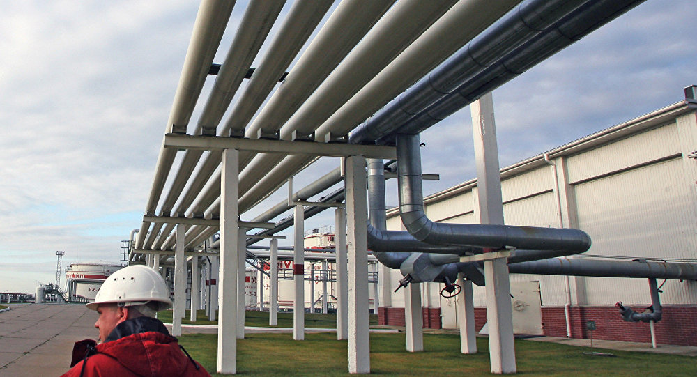 Russia resumes oil deliveries to Belarus