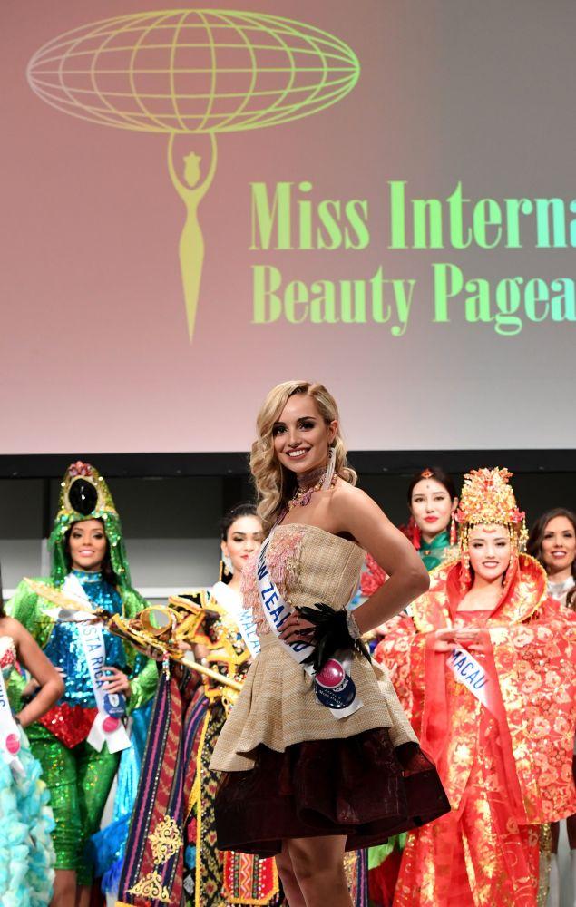 Miss New Zealand Jessica Tyson
