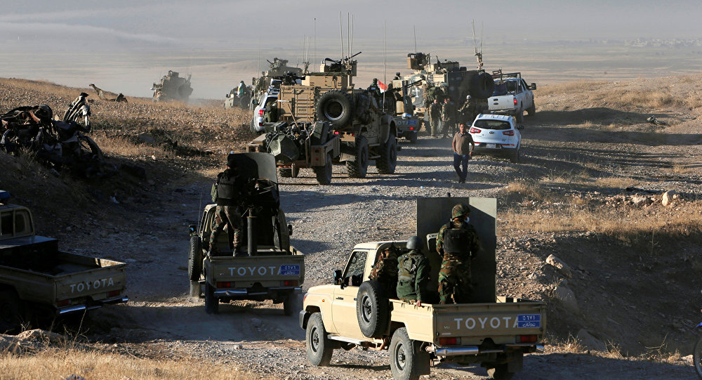 Peshmerga forces advance in the east of Mosul to attack Islamic State militants in Mosul, Iraq, October 17, 2016