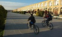 Emam Khomeini Square, Teheran