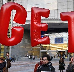Demonstrators protest against CETA outside the EU summit in Brussels, Belgium, October 20, 2016.