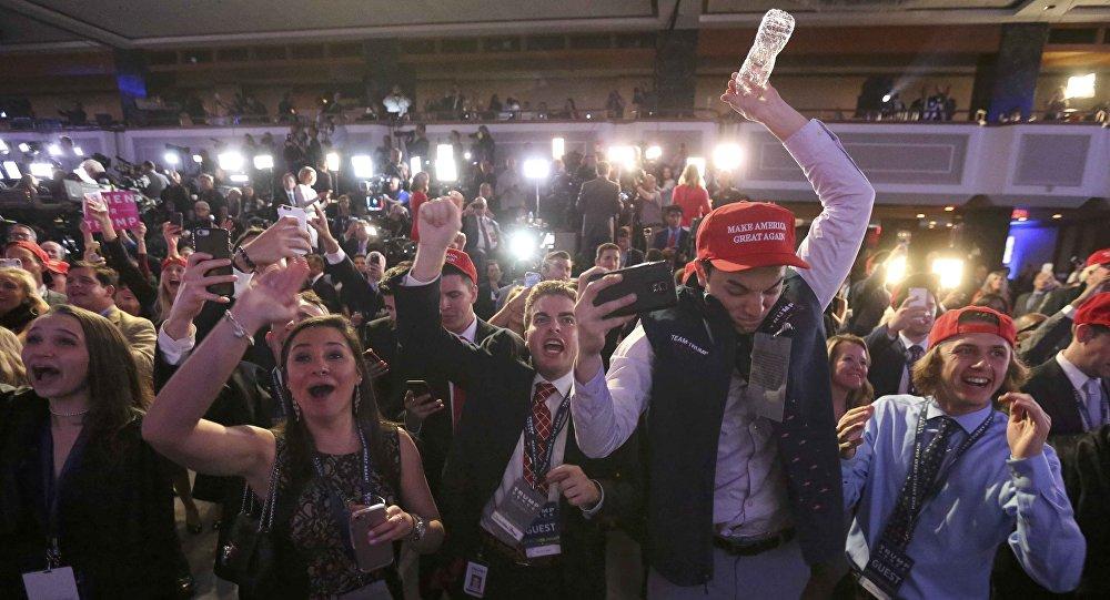 #USElection2016: Trump wins Florida, N. Carolina in major blow to Clinton: networks