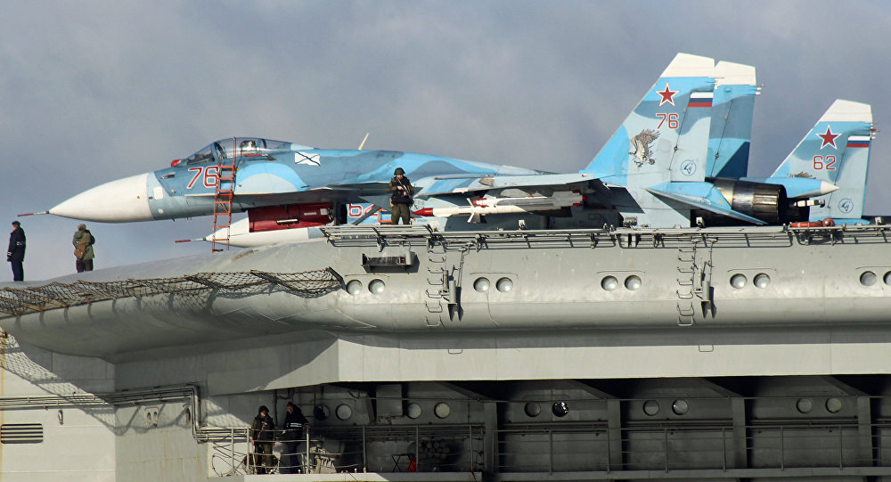Sukhoi Su-33 Flanker-D fighters aboard the aircraft carrier Admiral Kuznetsov (File)