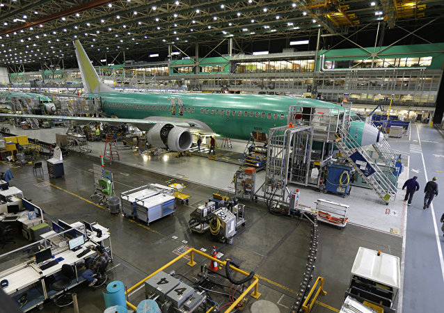 Boeing 737-800 airplanes are on the assembly line at Boeing's 737 assembly facility in Renton, Wash (File)