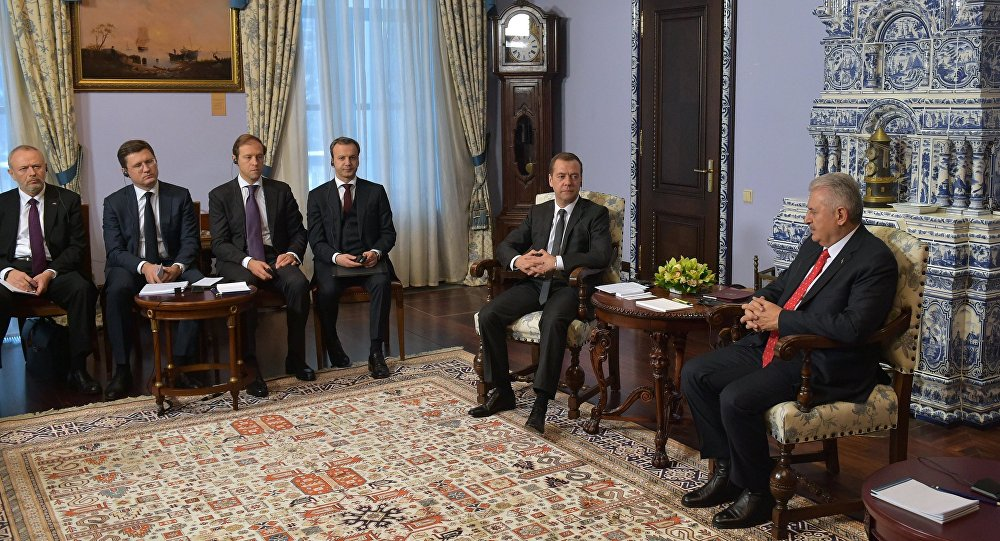 Russian Prime Minister Dmitry Medvedev meets with Turkish Prime Minister Binali Yildirim
