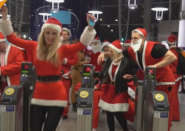 SantaCon Starts In London
