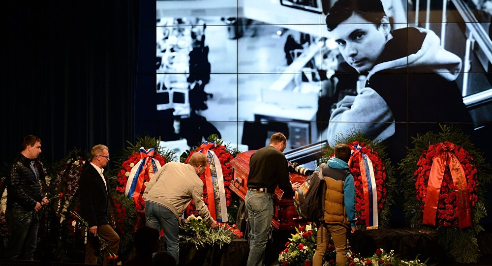 A farewell ceremony for Stenin was held Friday at the Rossiya Segodnya international press center for those wishing to pay their last respects to the photographer.