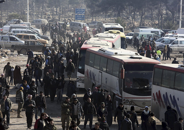 bus convoys resumed transporting residents out of the Syrian towns of Foua and Kefraya in the northwestern province of Idlib as part of an evacuation deal between the government and militants