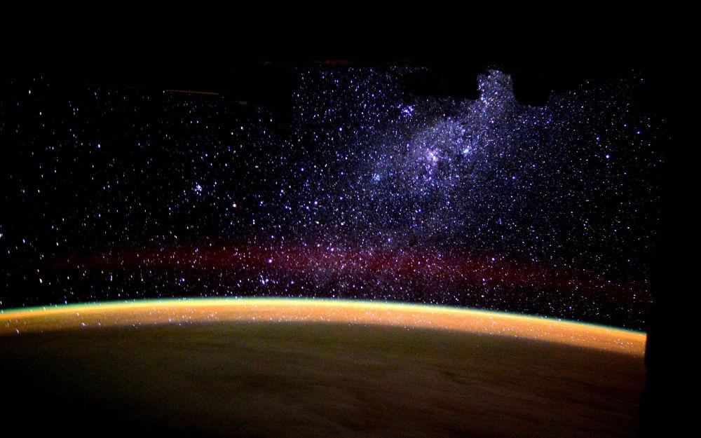 Milky Way rising over the horizon