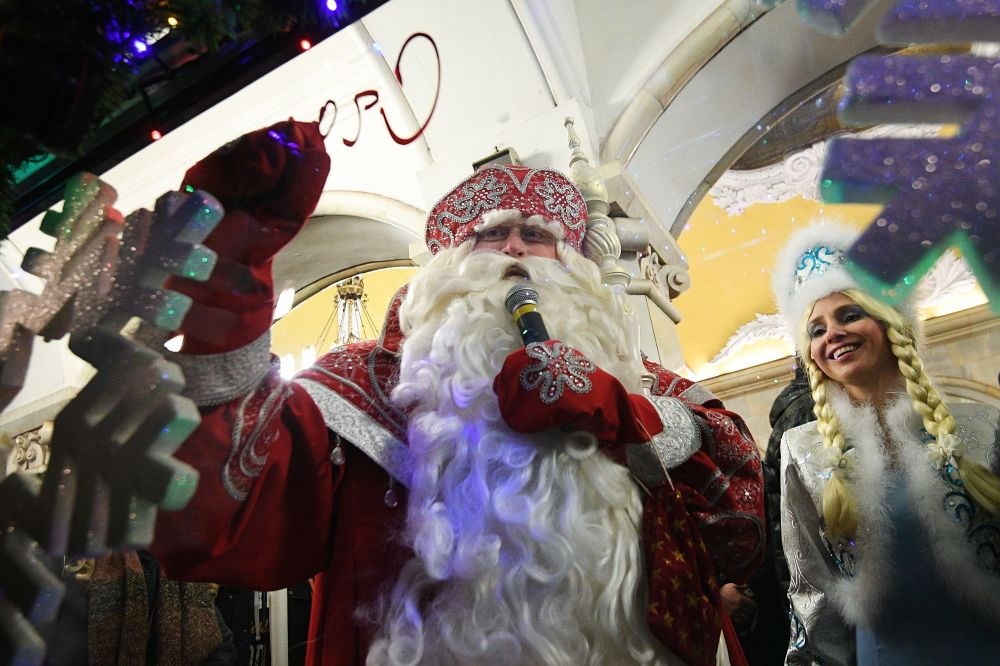 Metro 2017: All On Board Moscow's New Year Train