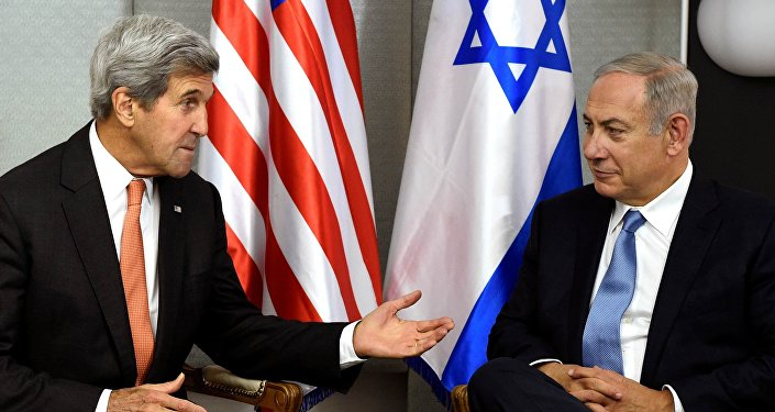 U.S. Secretary of State John Kerry (L) meets with Israeli Prime Minister Benjamin Netanyahu in Manhattan, New York, U.S. (File)