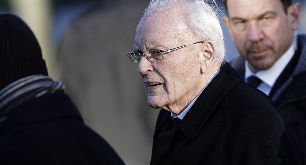 FILE - In this Nov. 23, 2015 file photo former German President Roman Herzog