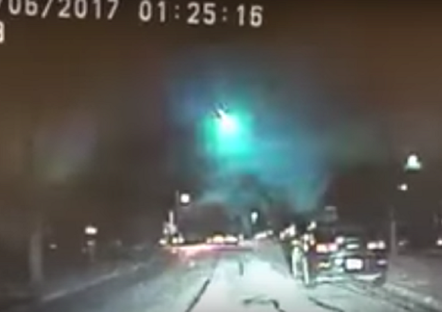 Giant Fireball Lights Up the Sky Over Parts of US Midwest  (VIDEO)