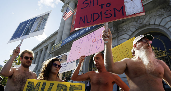 Nudity on display in S.F. Valentines Day parade