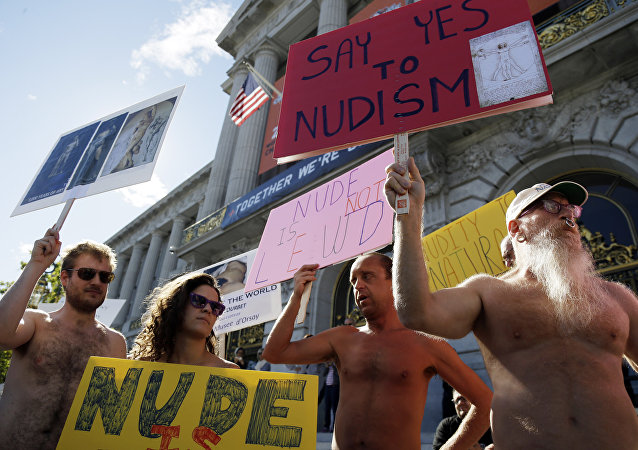 Nudists March in San Francisco's Valentine's Day Parade