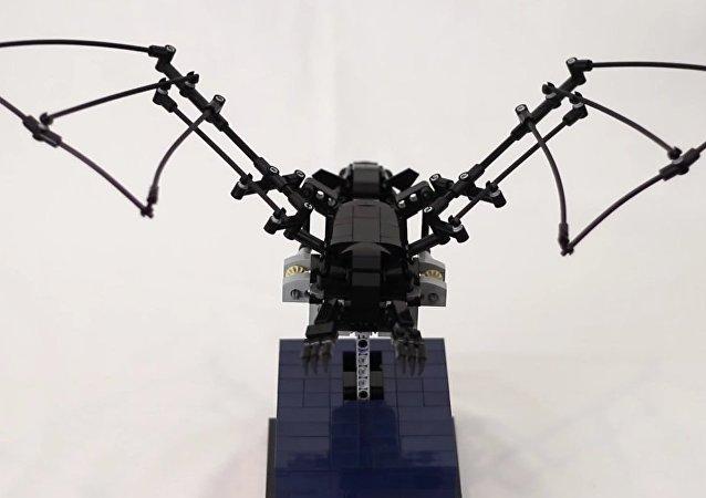 The Bat - Kinetic LEGO Sculpture