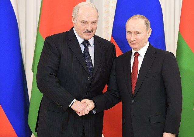 Russian President Vladimir Putin, right, and Belarusian President Alexander Lukashenko