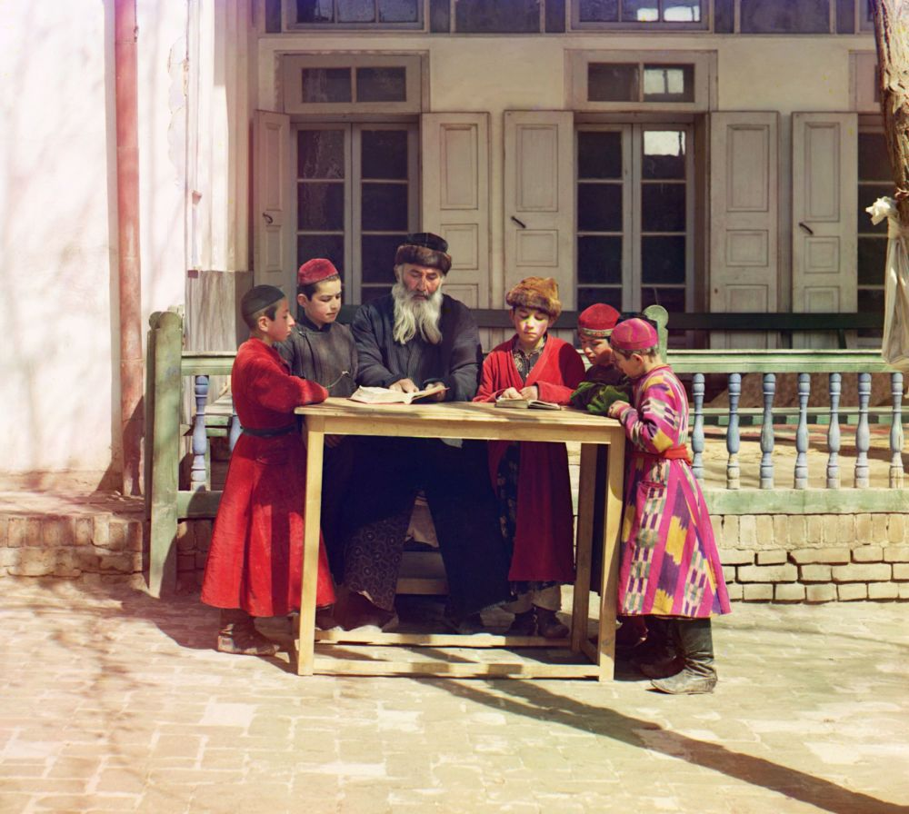 First Color Images of Russian Empire by Pioneer Photographer Prokudin-Gorsky