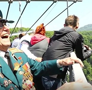 Russian Veterans Try Bungee Jumping to Celebrate Victory Day