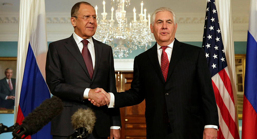 Tillerson, Lavrov Hold Informal Meeting in Russian UN Mission in New York