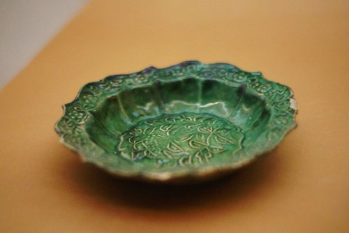 A Song Dynasty porcelain plate discovered in the Nanhai No.1 ship