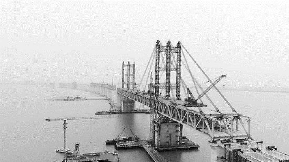 Suzhou-Nantong Yangtze Road Bridge