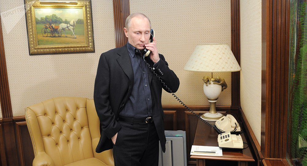 Vladimir Putin speaks by phone (File)