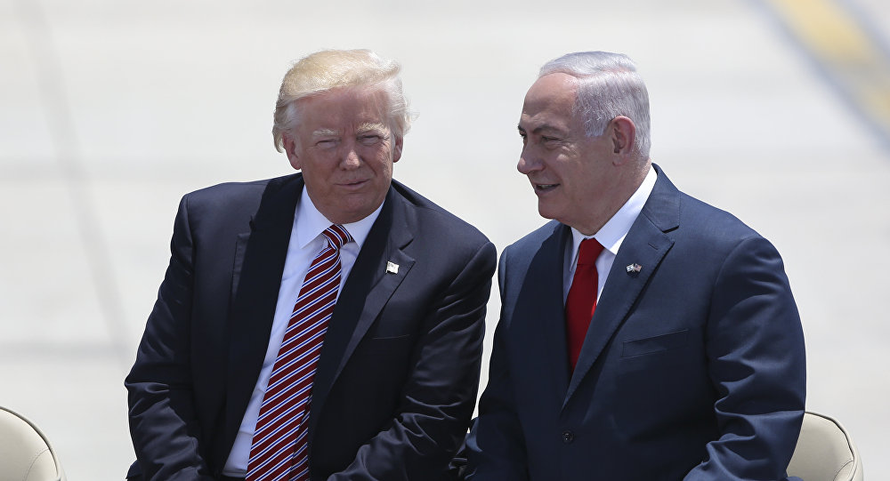 US President Donald Trump and Israeli Prime Minister Benjamin Netanyahu talk during welcome ceremony in Tel Aviv, Monday, May 22,2017