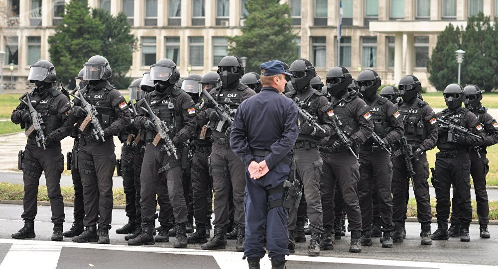 Anti-terrorism units of Serbia's Internal Ministry, Defense Ministry and special services stage exercise