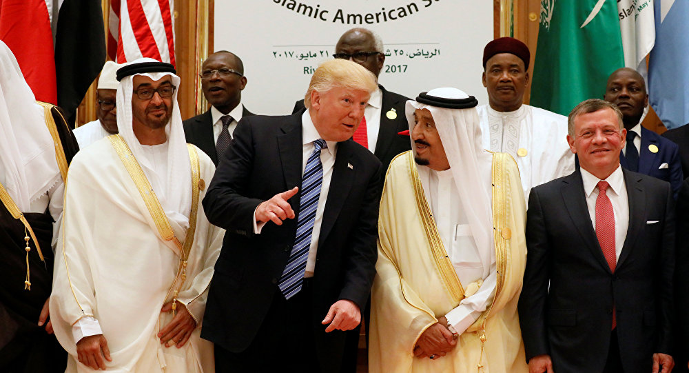 (Front R-L) Jordan's King Abdullah II, Saudi Arabia's King Salman bin Abdulaziz Al Saud, U.S. President Donald Trump, and Abu Dhabi Crown Prince Sheikh Mohammed bin Zayed al-Nahyan pose for a photo during Arab-Islamic-American Summit in Riyadh, Saudi Arabia May 21, 2017
