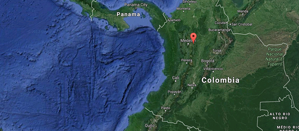 Boat With 150 Tourists Aboard Sinks in Colombia