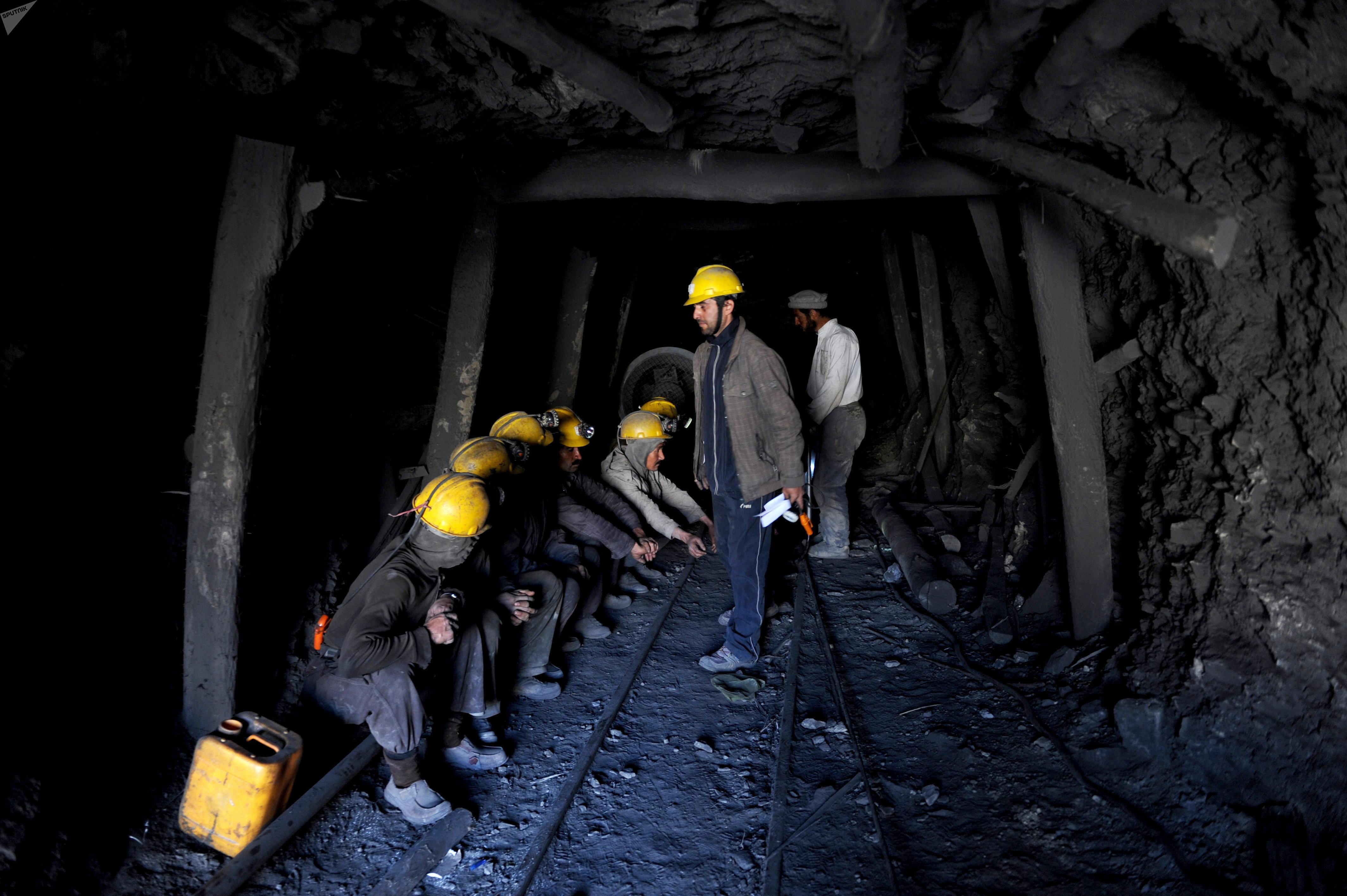 Afghan miners (File)