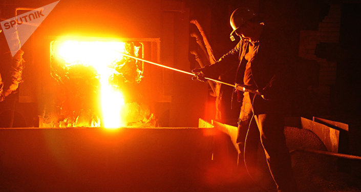 A worker during steel-smelting at a Russian steelmaking plant (File)