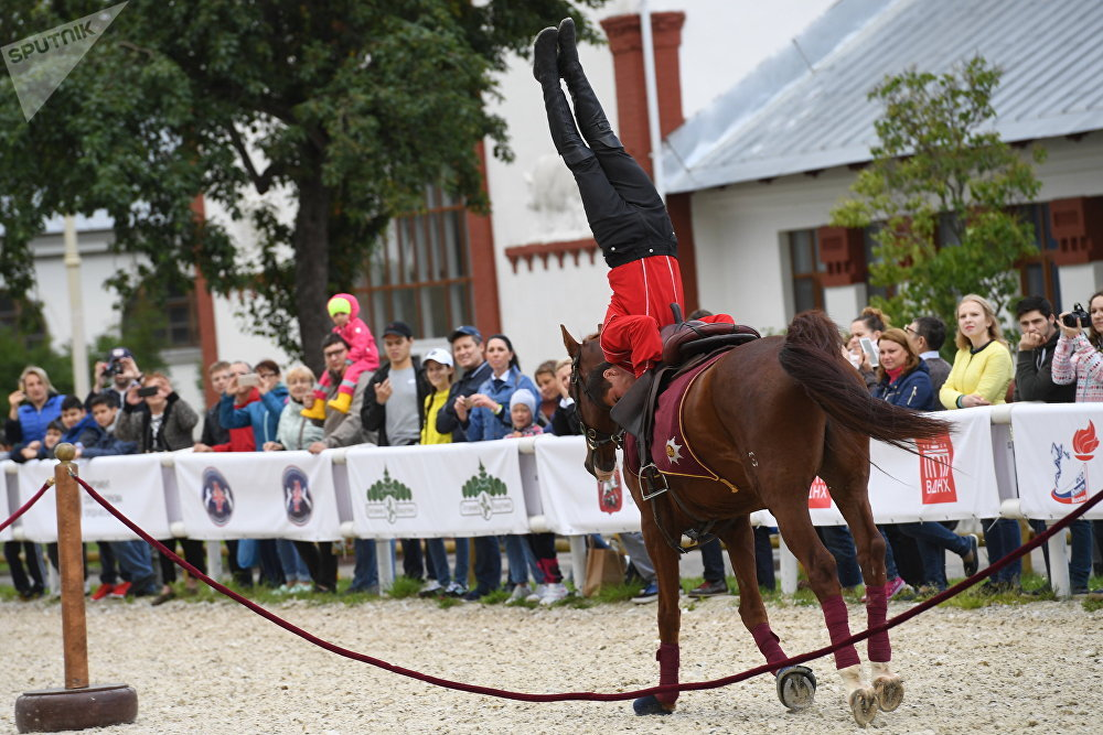 Russia's Kremlin Riding School Equestrians Saddle up for Moscow Festival