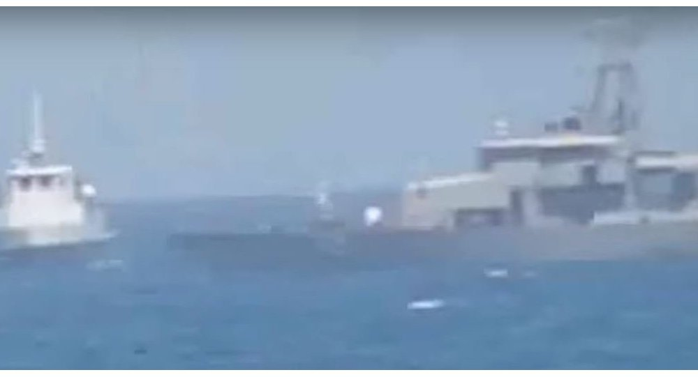 US ship fires warning shots at Iran vessel