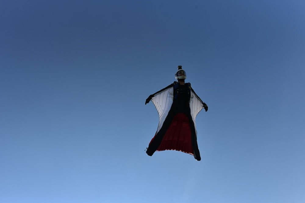 Shoot for the Sky: Russian Female Wingsuit Jumpers Set National Record