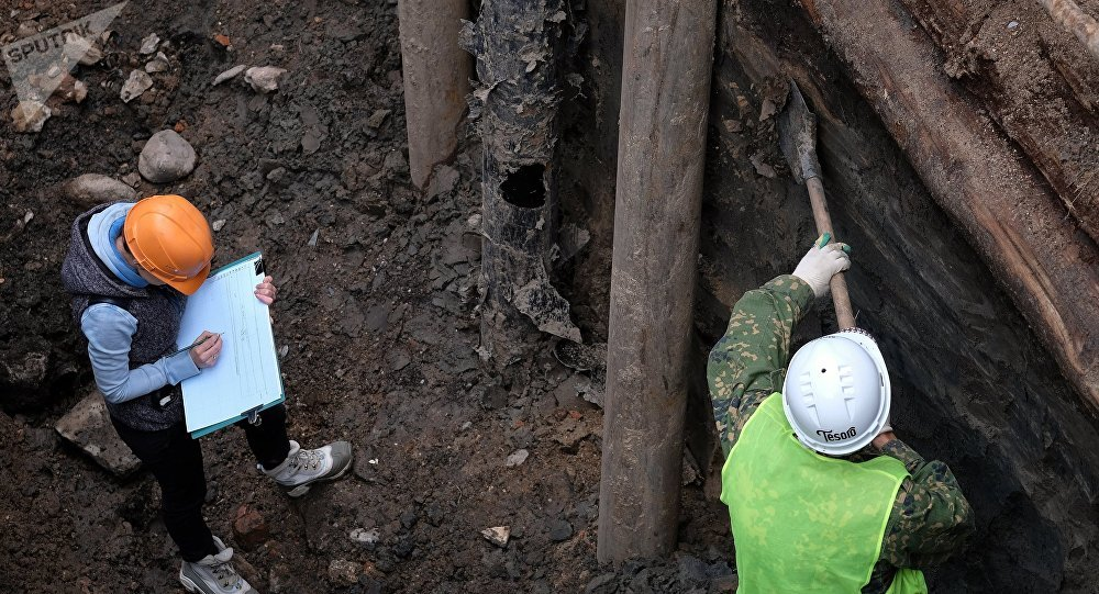 Archeologists. (File)