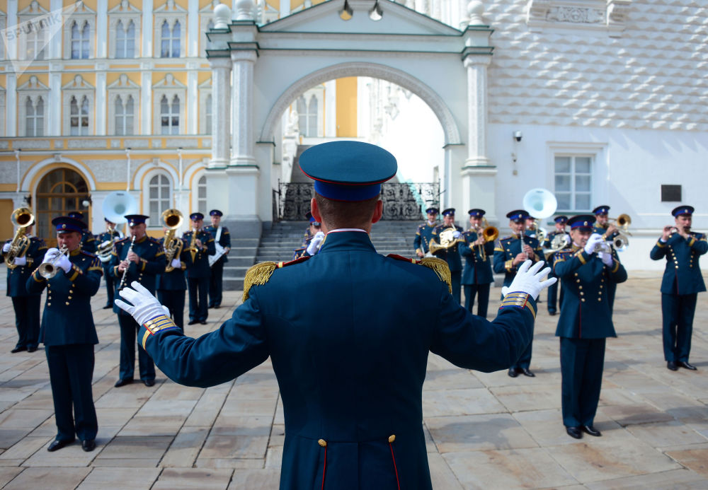 Russian Presidential Regiment's Performance at Kremlin's Walls