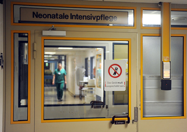 A nurse walks at the intensive care unit at the gynaelogical hospital of the clinical center Bremen-Mitte